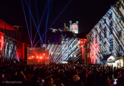 fourvière,place cathédrale,lyon,illuminations,fêtes des lumières
